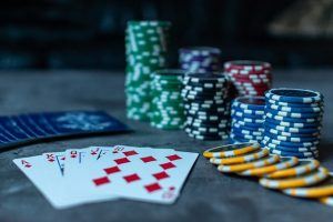 poker-3956037_640-min.jpg